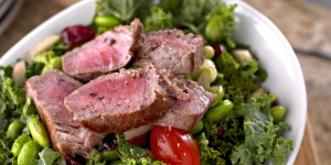 Fresh Salad with Roasted Beef